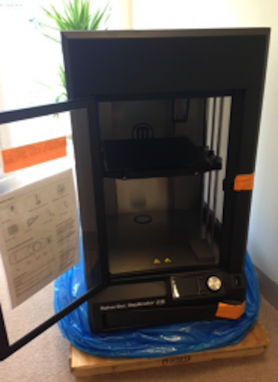 Unpacking MakerBot Replicator Z18 image